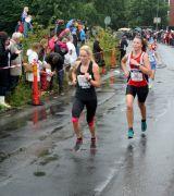 Bild på löpare med startnummer 48 i Tjejmilen 2012