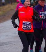 Bild på löpare med startnummer 2303 i Premiärmilen 2015